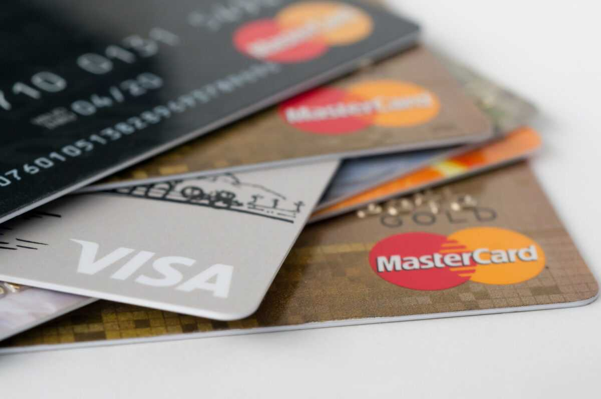 Depositphotos 114676110 l 2015 - Visa v/s Mastercard: Is there any difference?
