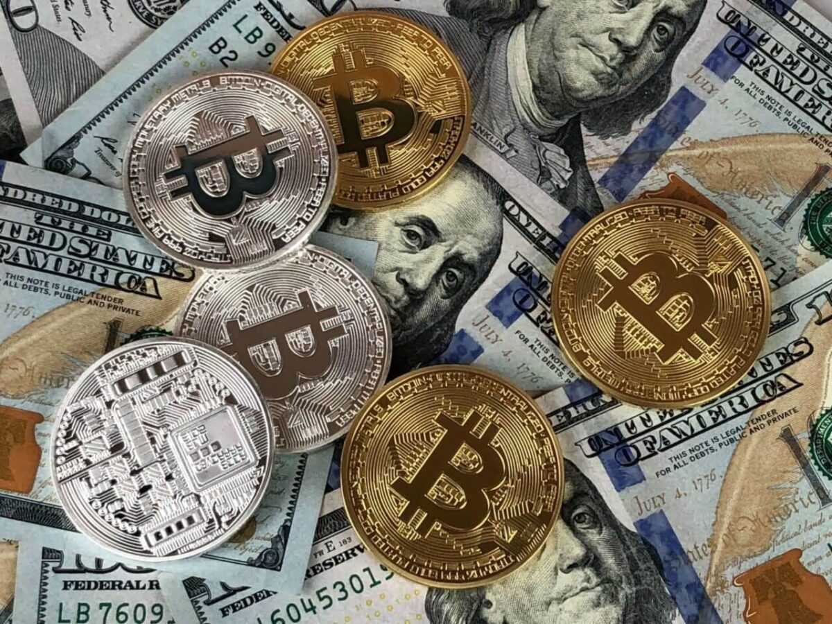 round silver and gold coins 730564 1 scaled e1590519504426 - Mining Cryptocurrencies. Is it still profitable?