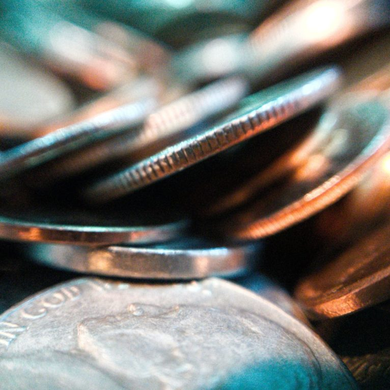 joshua hoehne 1nu qjxo5 0 unsplash scaled 766x766 - Western Union рассматривает покупку MoneyGram