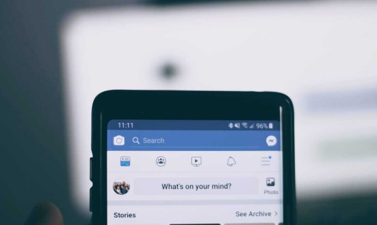 joshua hoehne uo2zxh4xoly unsplash scaled - How to advertise on Facebook? Basic Facebook Ads Guide