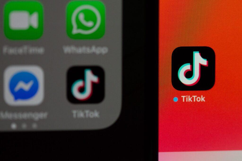 solen feyissa e7tmhmyqda0 unsplash scaled 1024x682 - TikTok For Business: Marketing on TikTok in 2020