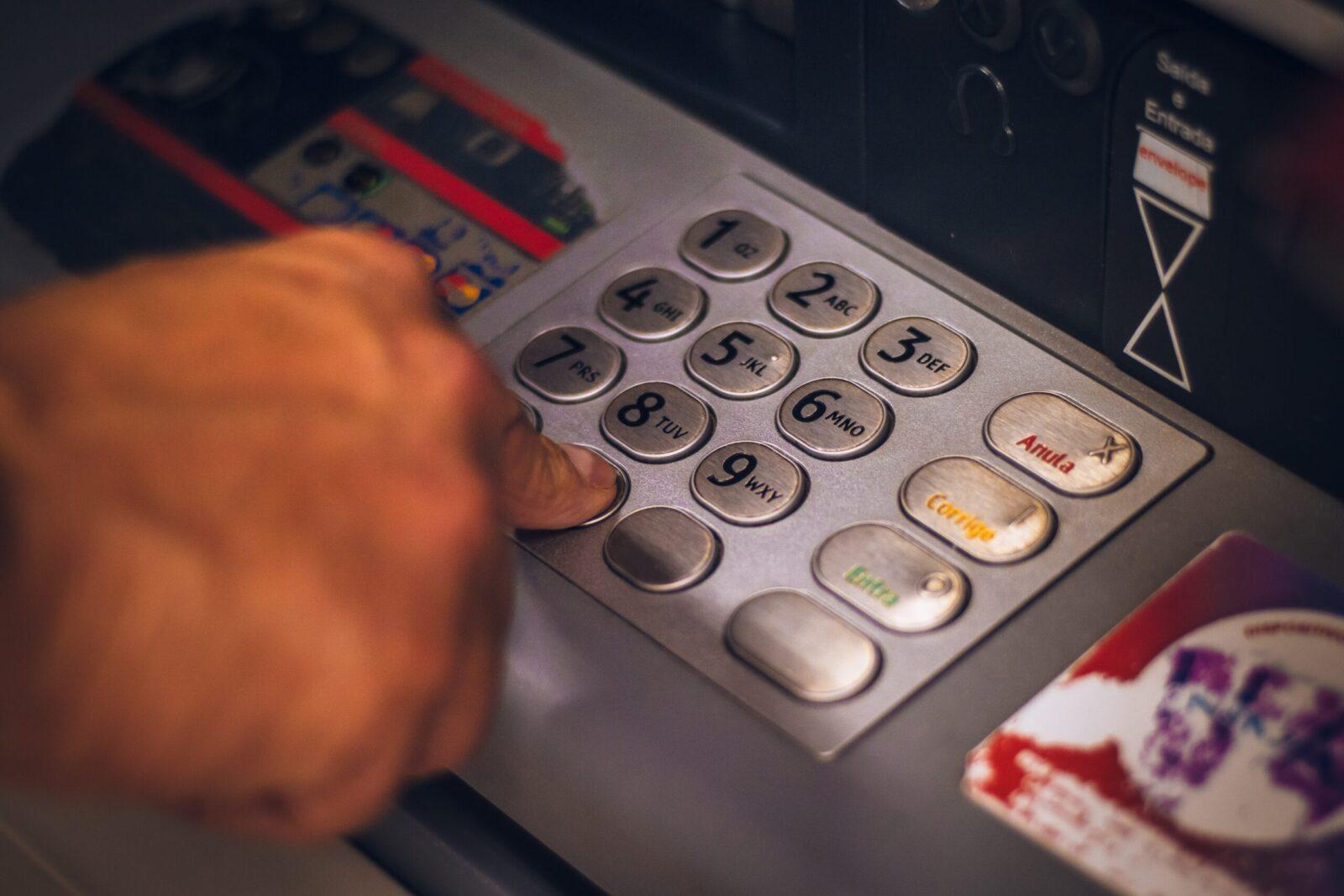 eduardo soares utwypb8 fu8 unsplash scaled - The differences between Banks and eMoney Institutions
