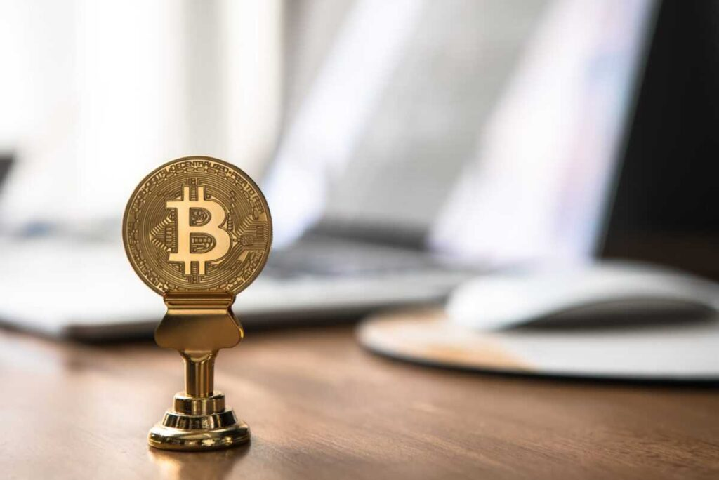 andre francois mckenzie vh7u z75l3u unsplash 1024x684 - Why bitcoin fell and what will happen to cryptocurrency next?