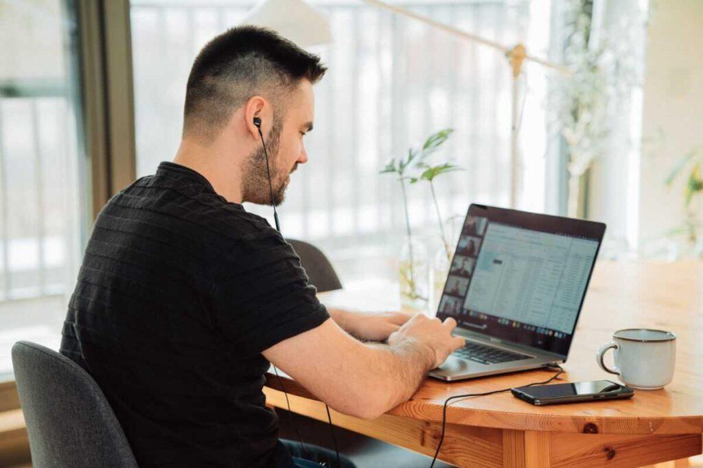 malte helmhold m0r4a8nmarw unsplash 1024x682 - Что такое CDN и как это поможет вашему бизнесу?